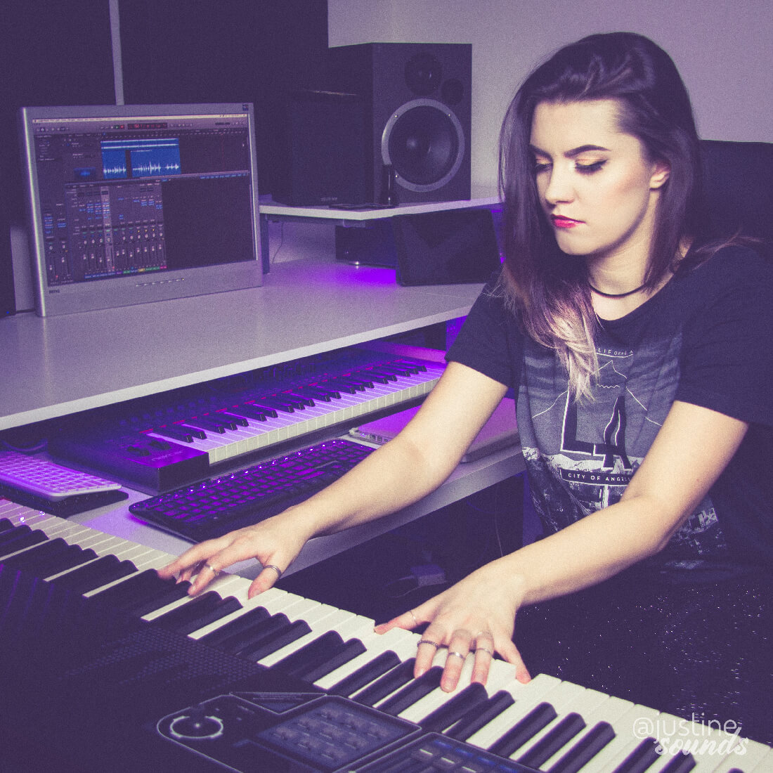 justine-sounds-studio-piano